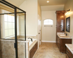Luxurious Baths in Site Built Homes Southeast Texas