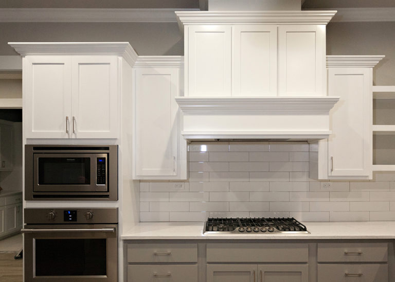 Reidy Modern Style Home Kitchen Stove with White Tile Backsplash