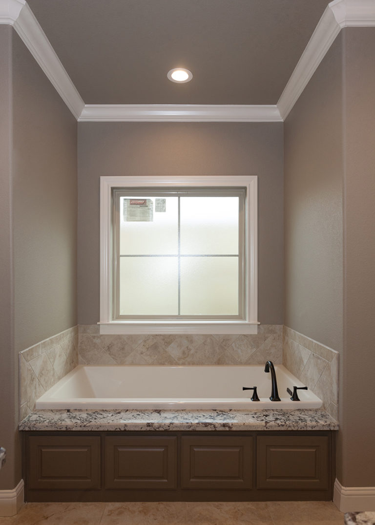 The Cora Master Bath Tub